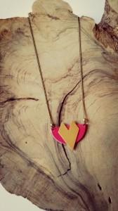 Mistikipi-bijoux-Hyères collier-chika-en-laiton-et-cuir-rose