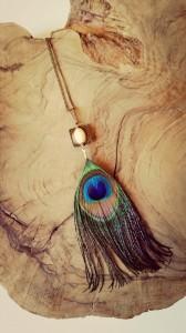 Mistikipi-bijoux-Hyères collier-sautoir-veritable-plume-de-paon