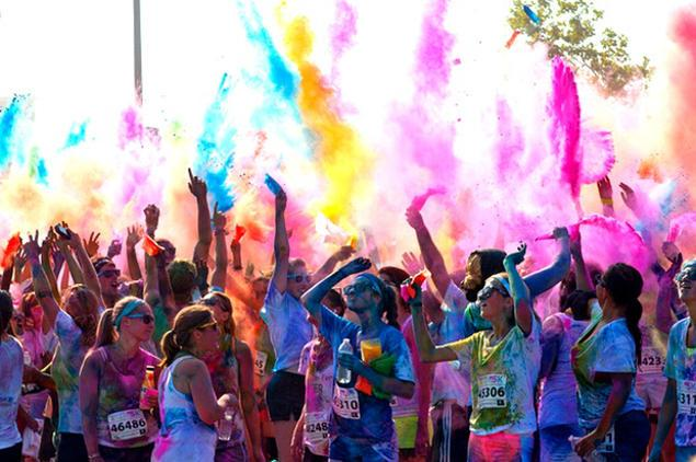 color-run-debarque-paris-L-LhmAvt