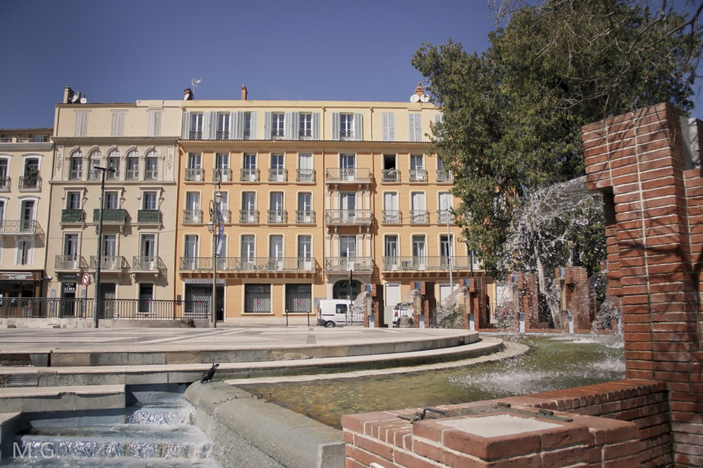 place marbre  Clémenceau Hyères 83