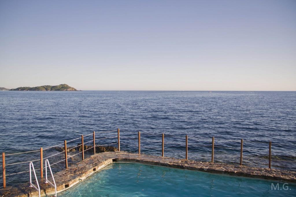 vue sentier littoral piscine mer hotel provencal giens hyères 83