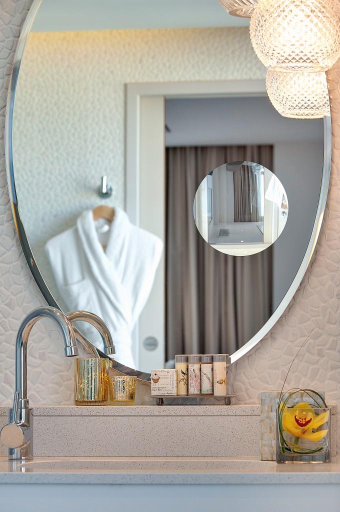 salle de bains Junior Suite travel blog hotel renaissance aix en provence