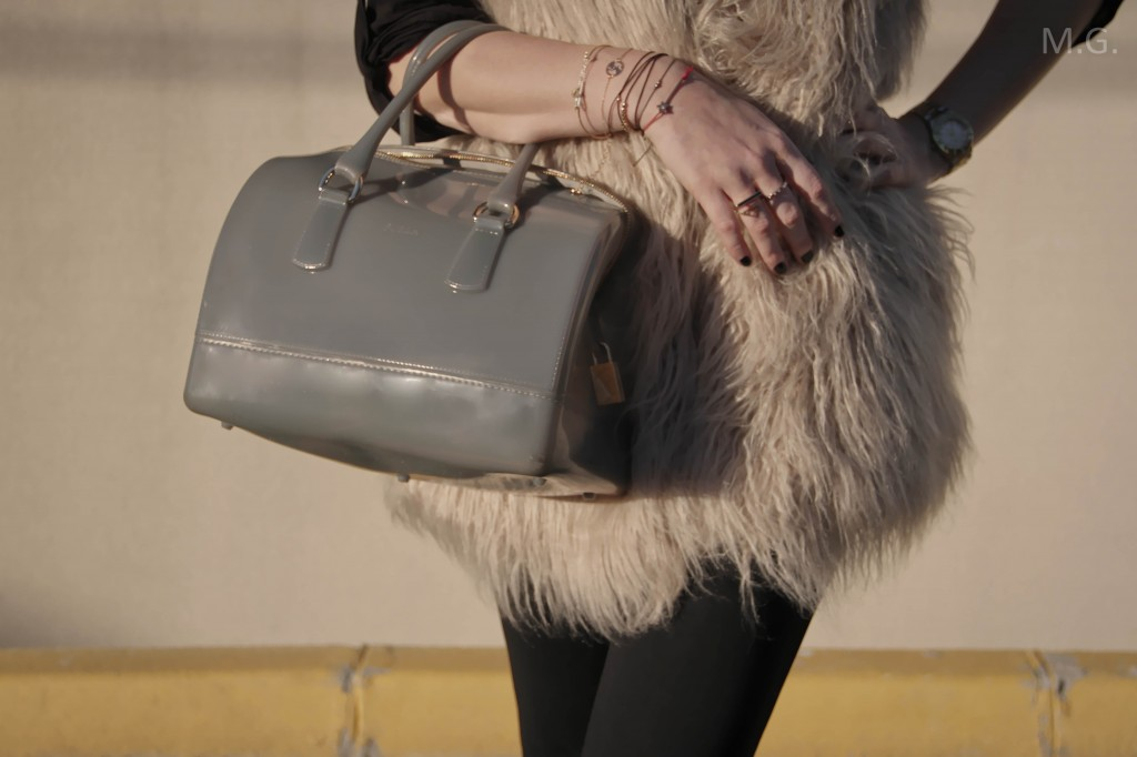 look-blog-mode-hiver-veste-poils-pull-and-bear-sac-candybag-furla-baskets-ash (5)